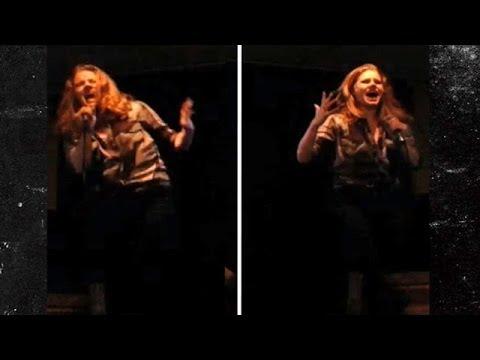 Amy Adams Sings