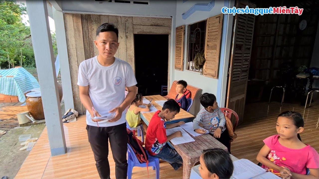 Thăm lớp học Hoàng Anh và tặng quà, Chị Linh hỗ trợ tiền cho Bé Khiêm đi học | CSQMT 4/7/2020