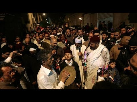 Benghazi residents celebrate Mawlid holiday despite opposition [no comment]