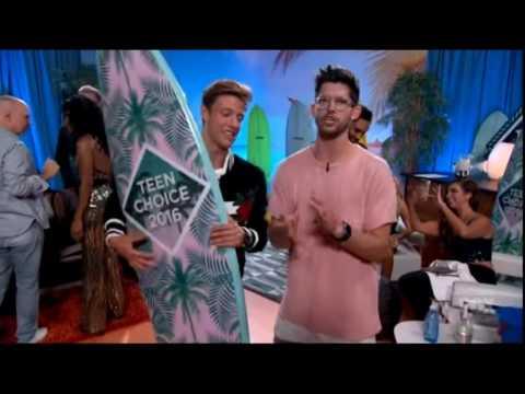 Cameron Dallas Wins Choice Media King (Teen Choice Awards 2016)