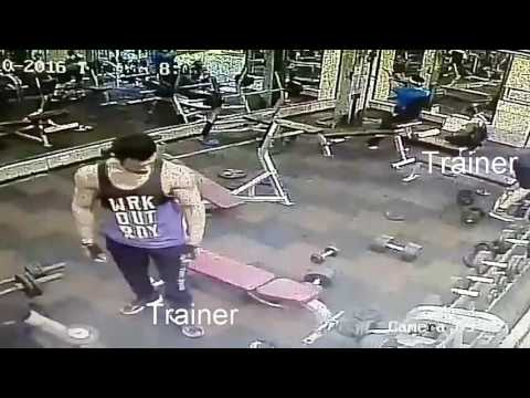 Gold's Gym Noida Sector 30 - Trainer assaults Clients