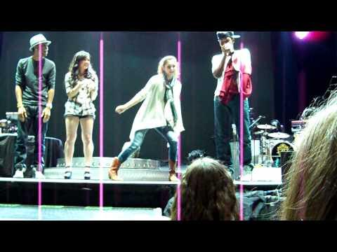 Alyson Stoner Dancing at soundcheck