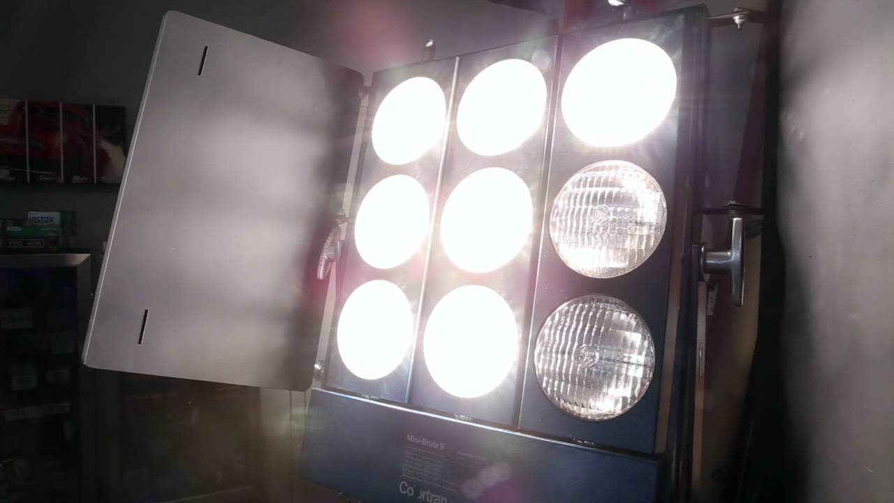 9 Light Mini Brute - YouTube