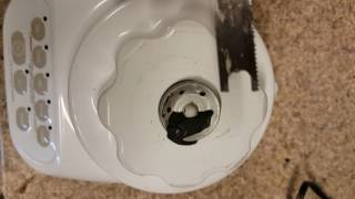 How to remove Kitchenaid blender coupler