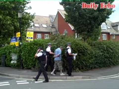 Armed police swoop on suspected drugs dealers