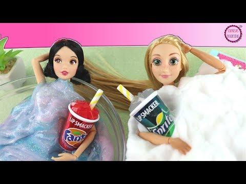 Rapunzel y Blancanieves van al SPA Juguetes de slime y espuma - Cuidados de muñecas Barbie