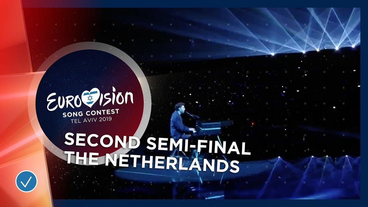 Настапот на Данкан Лоренс од Холандија - фаворитот за победа на Евровизија