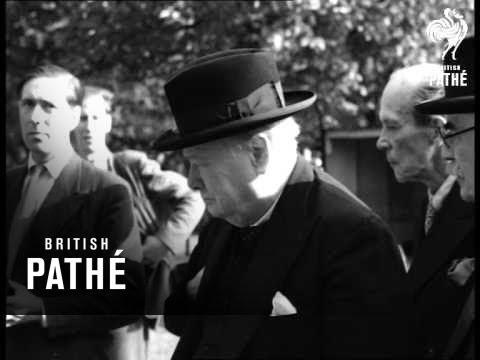 Winston Churchill At Zoo (1947)