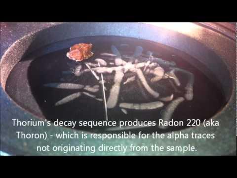 Uranium and Thorium Samples in Cloud Chamber