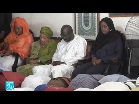 رئيس ليبيريا جورج ويا يحضر صلاة الجمعة في مونروفيا  - نشر قبل 2 ساعة