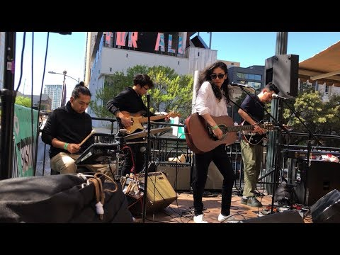 My Life As Ali Thomas - Daughter And Son (Live At SXSW 2019)