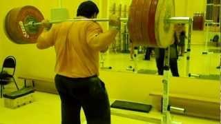 Приседания 250 кг. на 3 в пол без бинтов и ремня