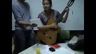 Латиноамериканка поет на кумыкском))) Latina chica cantando