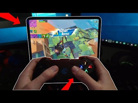 Playing Fortnite MOBILE with a CONTROLLER (never done before)