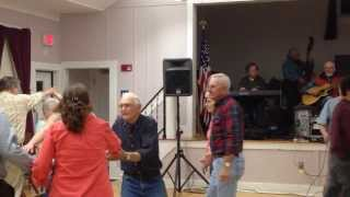 Redwing / Dip and Dive - singing square dance