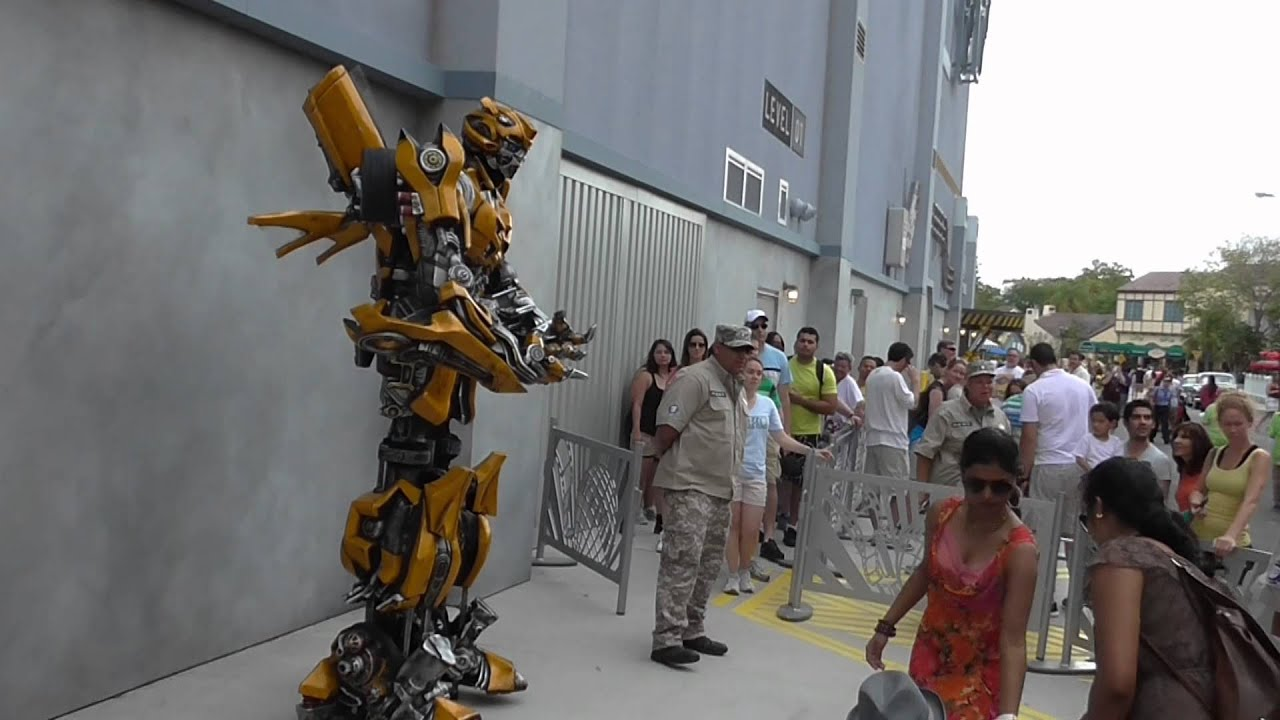 Transformer meet and greet bumble bee at universal studios florida transformer meet and greet bumble bee at universal studios florida youtube m4hsunfo