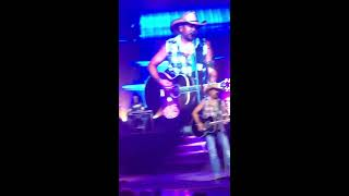Jason Aldean a little more summertime 2016 Syracuse ny lakeview