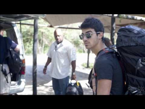 Joe Jonas in Africa (Fotos)