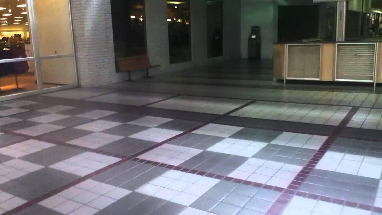 Graeginator at marquette mall in michigan city in deadmall youtube for Olive garden michigan city indiana