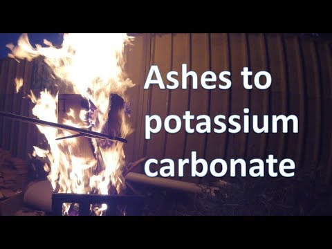 Making pottasium carbonate from wood ashes