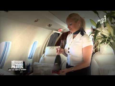 Hotesses, stewards, pilotes une vie entre deux avions   Hotesses, stewart, pilotes une vie entre deu