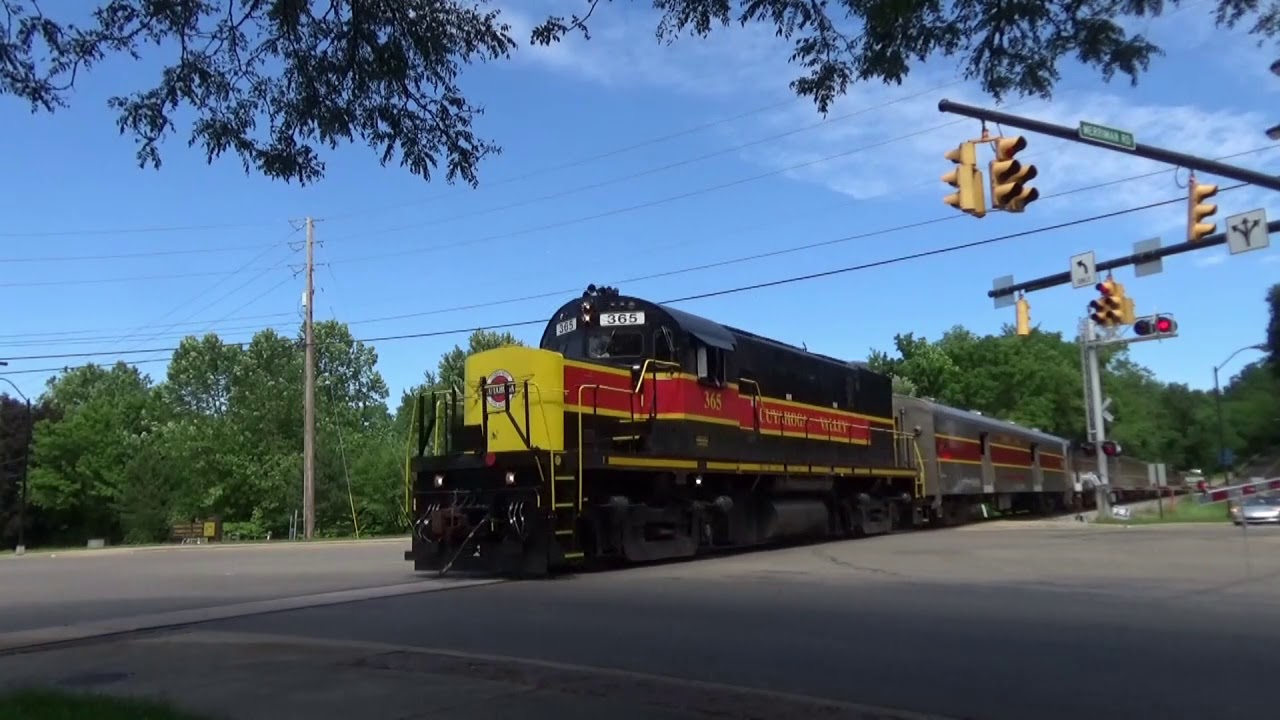 Chasing CVSR train from Akron Ohio to Rock side Station