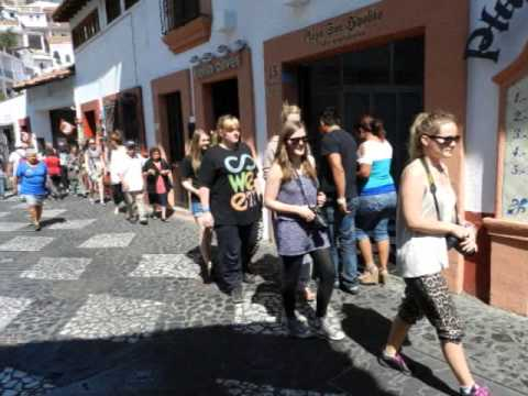Norwegian Young Ladies Group. Taxco Tour , Rudy Fregoso, TourByVan Acapulco Video Tour Guide
