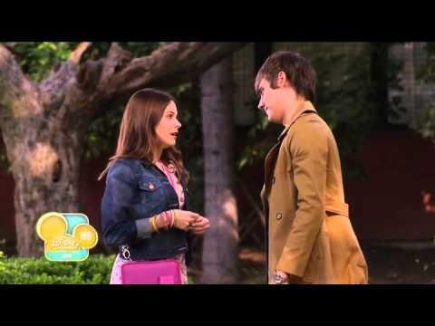 Violetta - Leon and Violetta Meet [English]