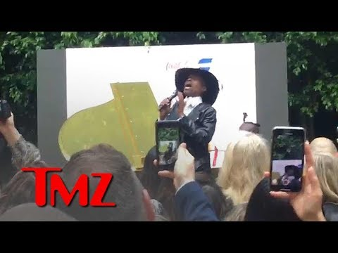 Billy Porter Sings 'Shallow' From 'A Star is Born' at Gold Meets Golden Event | TMZ