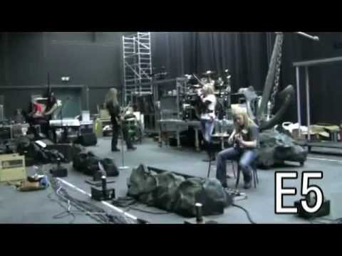 Nightwish battle:Anette Olzon vs Tarja Turunen(vocal range&performances)