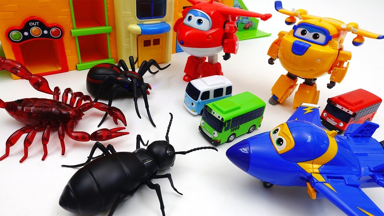 Go Go Super Wings, Tayo School is Under Attack by Monster Bugs