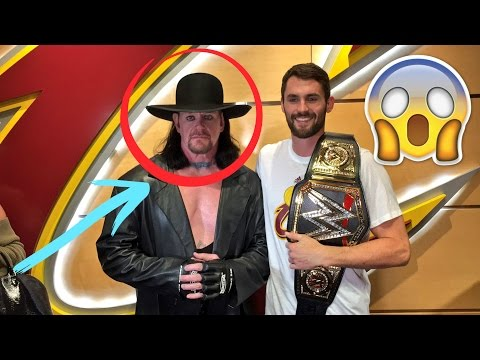 WWE Undertaker Hangs Out With Lebron James & The Cleveland Cavaliers | New York Knicks vs Cavaliers