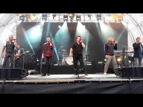Die Prinzen - Gabi & Klaus - Opening Song - LIVE - Schlosswiese WB 20170811