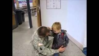 Un père surpris son fils à l