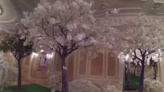 Искусственные деревья для свадьбы в ресторане