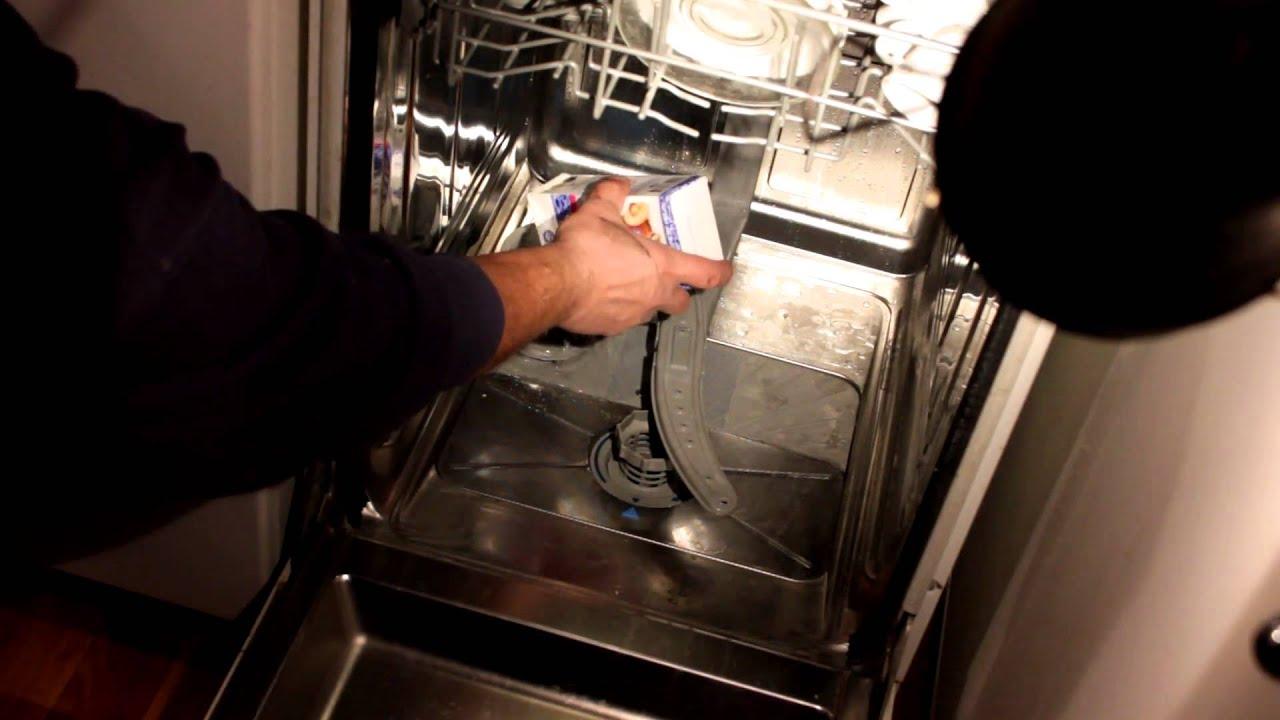 14 ноя 2013. Сыпать соль для посудомойки. Для восстановления катионита, который в ионнобменном фильтре посудомоечной машины занимается уменьшением жесткости воды, использ.
