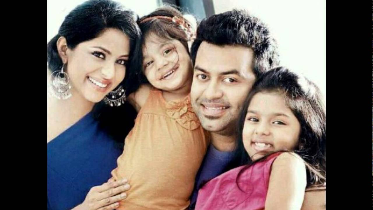 Indrajith And Poornima Family Photo