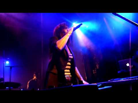Lights -  Timing is everything - LIVE PARIS 2012