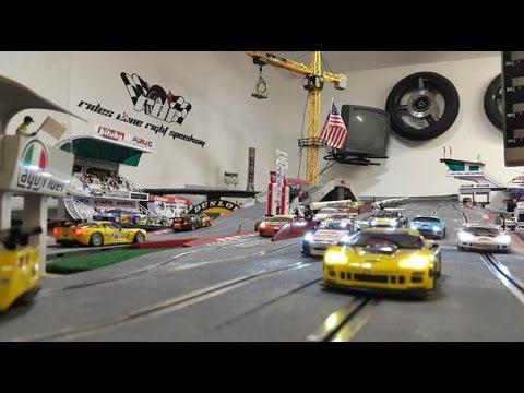 RDR Speedway 4 Lane SCX Digital Slot Car Racing Carrera Buildings 28 Garages
