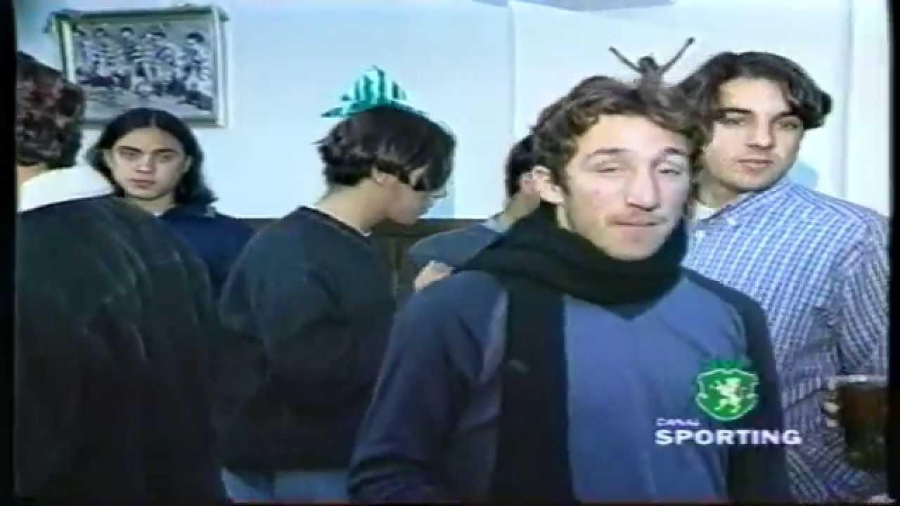 Festa de Natal do Futebol Juvenil do Sporting com Cristiano Ronaldo (13 anos) em Dezembro de 1998