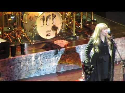 Fleetwood Mac - Go Your Own Way (snippet), Chicago October 6, 2018