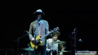 Download Lagu Come Together - When my Train Pulls In - Gary Clark Jr - Forum - Inglewood CA - Sep 15 2017 Mp3
