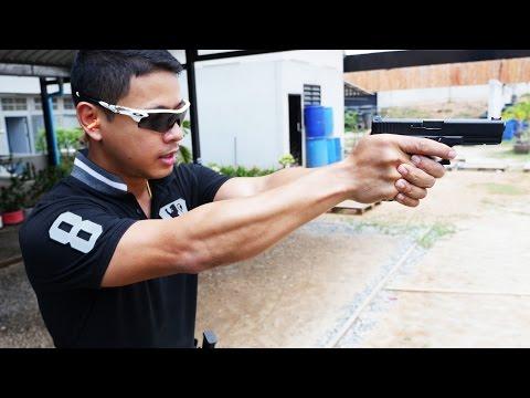 ฝรั่งแข่งยิงปืนกับตำรวจไทย!!!