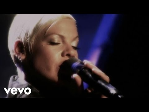 P!nk - Glitter In The Air