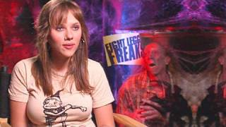 Scarlett Johansson & Kari Wuhrer in 'Eight Legged Freaks'
