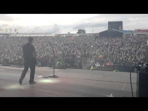 3 Doors Down  Kryptonite  DOWNLOAD FESTIVAL 2013 side stage