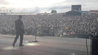 3 Doors Down - Kryptonite - DOWNLOAD FESTIVAL 2013 (side stage)