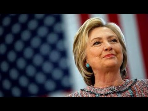 Sen. Warren helps Clinton with women, youth vote in New Hampshire