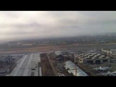 UA 239 taking off from LAX - A319