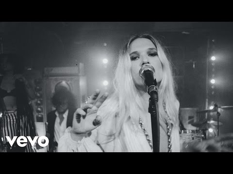 Wild Belle - Giving Up On You (Video)